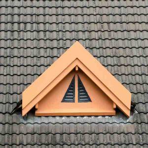 חלון בגג רעפים